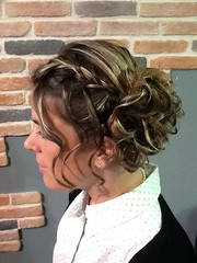 """Coiffure tresse, chignon flou • <a style=""""font-size:0.8em;"""" href=""""http://www.flickr.com/photos/115094117@N03/18608806261/"""" target=""""_blank"""">View on Flickr</a>"""