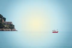Rumbo a lo desconocido (noldor12) Tags: spain playa laredo cantabria carlzeiss pesquero canoneos6d sonnart35135 carlzeissjenasonnart135f35