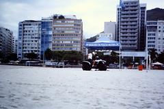 2003-03-25 Rio de Janeiro 02 (MicdeF) Tags: brasile brazil copacabana dia diapositiva polizia riodejaneiro scan scansione slide geo:lat=2297052417 geo:lon=4318150520 geotagged