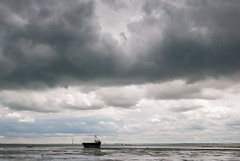 Small Boat under a Big Sky (ho_hokus) Tags: uk summer england weather clouds coast boat riverthames essex leighonsea oldleigh 2016 thamesestuary nikond80 essexcoast tamron18270mmlens
