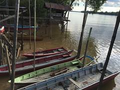 (bulanblur) Tags: sungai kampung village boats river wharf sarawak bintangor