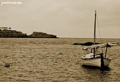 Barca solitaria (juanhorea.me) Tags: cabodepalos cartagena murcia espaa spain marmediterrrneo mediterraneansea mar sea