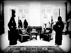 Shopping experience (Kiky01) Tags: light shadow bw shop shopping carpet hotel blackwhite dress muslim islam arabic experience niqab abaya burqa doha qatar sharq chador