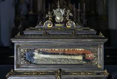 Hl. Valentin, Reliquienschrein-1 (bernhardwagner76) Tags: building church saint austria shrine mark interior sony valentine bone bishop relics nex wolfsberg nex5n