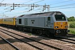 "67029 ""Royal Diamond"" & 82111 @ Coppenhall - Crewe (uksean13) Tags: yellow canon cheshire crewe dbs networkrail ef28135mmf3556isusm 400d testtrain 82111 67029 coppenhall dbschenker royaldiamond"