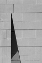 .\# (jepag0) Tags: flickr strasbourg wall mur fente modern moderne calepinage noirblanc blackandwhite ombre shadow sharp