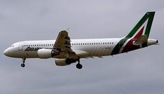 Alitalia Airbus A320-216 EI-DSY (Mark 1991) Tags: london heathrow airbus lhr heathrowairport alitalia a320 londonheathrow a320200 eidsy