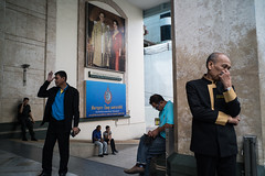*วันแม่แห่งชาติ 2559. (Sakulchai Sikitikul) Tags: street streetphotography songkhla voigtlander 28mm thailand snap sony a7s mothersday hatyai