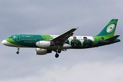 Aer Lingus | Airbus A320-200 | EI-DEI | Irish rugby team livery | London Heathrow (Dennis HKG) Tags: aerlingus ein ei airbus a320 airbusa320 aircraft airplane airport plane planespotting london heathrow egll lhr eidei canon 7d 100400 rugby