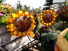P6080787 (photos-by-sherm) Tags: good quilts retail garden flowers sculpture yard accessories amana iowa summer decorations metal