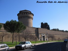 1747 ca 2005 Porta Pertusa By G. Vasi b, (Roma ieri, Roma oggi: Raccolta Foto de Alvariis) Tags: portapertusa gvasi raccoltafotodealvariis fotoalvaroedelisabettadealvariisinsanpietro 2005 quartiereaurelio sanpietro cittdelvaticano roma rome italy