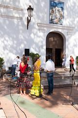Nerja, village balnaire  proximit de Malaga. Une fte folklorique et religieuse se prpare devant l'glise (caploncour) Tags: costume spain folklore espagne andalousie danceuse analusia