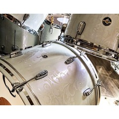 This is probably one of the most beautiful drum sets we have built. Mahogany shells painted in a pearl white high gloss with a matte damask finish. Subtle and stunning. @carideeenglish, We hope you enjoy these as much as we had building them! #qdrumco #ma