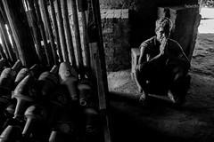 Maragogipinho (Rafael Almeida Fotografia) Tags: family people ceramica familia happy pessoas pb retratos bahia maragogipinho job pretoebranco brasilemimagens trtrabalho