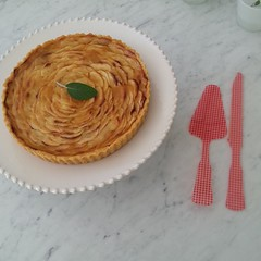 Yuri's Normandy apple tart - beautiful!