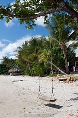Beach Swing (kevin.roth94) Tags: tree beach palms thailand island sand asia palm holz baum tha kohchang trat schaukel kaibae sdthailand southeastthailand