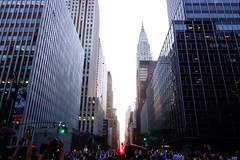 Manhattanhenge (Cagsawa) Tags: street nyc sunset ny newyork building manhattan crowd 42ndst chrysler chryslerbuilding 42nd manhattanhenge 42ndstreet rx100