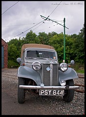 Austin Ten Pick-up (zweiblumen) Tags: uk england pickup dudley hdr westmidlands tipton polariser blackcountrylivingmuseum 1940sweekend austinten canoneos50d zweiblumen psy844