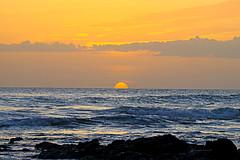 Playa Langosta (Roberto Segura) Tags: tamarindo santa cruz guanacaste costarica sunset sun beach sand pentaxart