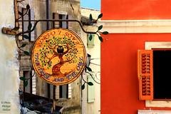 IMG_0095 enseigne  Motovun  Istrie  (philippedaniele) Tags: motovun enseigne commerce couleurs