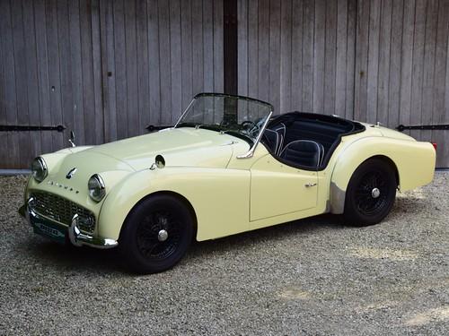 Triumph TR3A (1959).