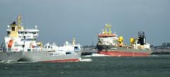 TERNSUND and WILLEM VAN ORANJE (dv-hans) Tags: ternsund chemicaltanker maasmond nieuwewaterweg vopak botlek