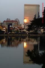 the burning reflection (tomzcafe) Tags: singaporeriver singapore supertakumar5518 400d
