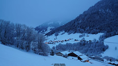 France, Savoie, Beaufortain, Le Praz  l'entre d'Arches, le soir. (Happictures (Olivier Baudot)) Tags: nightlandscape nightshot heurebleue bluehour happictures olivierbaudot alps alpes savoie beaufortain beaufort rhnealpes auvergnerhonealpes chalet neige snow sony sonya77ii sonyalpha77ii sonyilca77m2 europa europe dt1650mmf28ssm ski stationdeski skiresort paysage landscape slt frankreich francia eu ue montagne mountain hiver mont france chaine montagnes mountains berg gebirge berge montaas montaa montagna nieve neve schnee winter invierno inverno froid cold klte freddo fro deportes sport invernali estacindeesqu stazionesciistica skigebiet wintersports sportsdhiver sportinvernali deportesdeinvierno esqu sci archesbeaufort sapins village hameau s