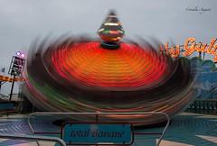 Rasante Drehung.. (cornelia_auguste) Tags: abendstimmung corneliaauguste dsseldorf dynamik emotion farbenspiel germany himmel himmelsstimmung illumination illuminadet kirmes karussell cornelia lzb lichtstimmung langzeitbelichtung light lichtstrahlen nrw outdoor orange trume carousel technik