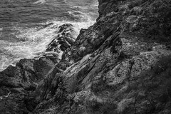rocky coastline, looking down, White Head, Monhegan, Nikon D40, nikon nikkor 55mm f-3.5, 5.17.15 (steve aimone) Tags: ocean blackandwhite cliff monochrome coast surf shoreline rocky monochromatic atlantic coastline whitehead lookingdown atlanticocean monhegan monheganisland nikond40 nikonnikkor55mmf35