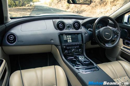 2015-Jaguar-XJ-Petrol-06