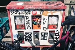Germany - Berlin - Hallesches Tor (st3000) Tags: berlin germany europe bubblegum colourful chewinggum gumball kaugummiautomat slotmachine gumballmachine bubblegummachine crackerjackbox kaugummi xpro1 xf27
