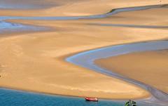 Waiting for high tide (syssy70) Tags: sea spain ship tide playa espana curve scape espagne pays basque spagna mundaka bermeo euskal herria paesi baschi