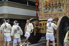 Waiting for the Start  (Patrick Vierthaler) Tags: morning kyoto waiting parade   gion matsuri morgen junko preparations    yamaboko