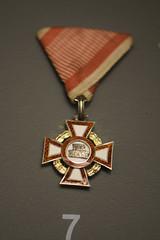 Polish cross for service (quinet) Tags: 2015 museumofthepolisharmy muzeumwojskapolskiego poland spielzeug varsovie verdienst warsaw warschau warsowa medaille medal