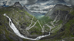 Escalera de los trolls (Jose Cantorna) Tags: noruega norway carretera paisaje cielo nubes clouds cascada agua roca nikon d610