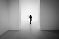 The observer (fernando_gm) Tags: blackandwhite bw blancoynegro minimalista minimalist minimalism monochrome madrid monocromatico man person people gente hombre persona fujifilm 1024mm fuji xt1 contrast contraste museum museo