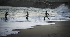 Autumn beach (Ian@NZFlickr) Tags: ocean girls boy beach st waves pacific nz otago dunedin surfers clair toucho fractalius