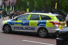 Metropolitan Police Ford Focus BX14 EEM (NottsEmergency) Tags: city uk england rescue london ford lights community support focus uniform driving traffic britain surveillance transport police cop bmw vehicle law disorder emergency incident job siren officer assistance arrest battenburg callout response unit immediate 999 londonpolice sirens constable bluelights investigation fordfocus policeofficer thinblueline metropolitanpolice emergencyservices metpolice constabulary policing policevehicle code3 publicorder policeservice responsecar reponding bx14eem