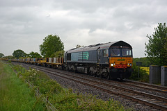 66413 leads 6x08 stapleford and sandiacre to st neots passing langham jct (Photography by Iain Wright 2007 - 2015) Tags: st shed fred passing leads dred langham freightliner sandiacre class66 stapleford jct neots 66508 66413 6x08