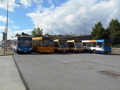 Stagecoach in South Wales 27690 and 34762 and Harris Coaches 16, 28 and 20 (welsh bus 16) Tags: verde southwales volvo solo 16 28 20 dennis dart stagecoach 637 adl blackwood slf optare plaxton 27690 34762 oxfordbuscompany enviro300 b10b58 harriscoaches mx04vln cn60cvh a2btravel yj54bsu px55eet p637ffc