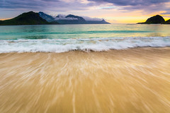 Haukland Beach (andreassofus) Tags: haukland hauklandbeach beach lofoten lofotenislands norway sea seascape ocean mountain water waves seaside landscape grandlandscape nature travel travelphotography sunset midnightsun summer summertime outdoor canon