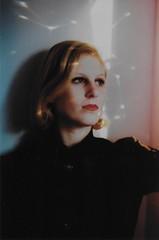(merra marie) Tags: girl rainbow arcoiris light portrait retrato mujer