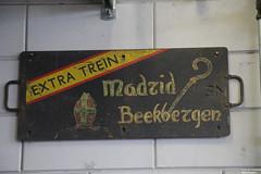 Extra trein Madrid - Beekbergen (Ernst-Jan Goedbloed) Tags: koersborden zuglaufschild extratreinmadridbeekbergen vsm sinterklaas