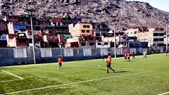 Tiempo de juego (manuelhumberto1) Tags: amigos popular estadio santaanita lima verde sol tiempo juego cancha dia futbol soccer