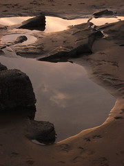 sunset pools (the incredible how (intermitten.t)) Tags: saunsersfoot sea sirbenfro water pools rocks sunset pembrokeshire 20160910 8069