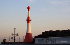 3-IMG_3695 (hemingwayfoto) Tags: architektur bremerhaven city denkmal deutschland frh gebude hafen leuchtturm lichtstimmung morgens norddeutschland nordsee sonnenaufgang turm verkehr willybrandtplatz