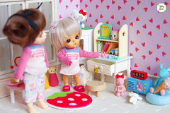 Little Sisters (Ylang Garden) Tags: lati white belle yui head event whitesp roombox corner pink rement megahouse strawberry tea pot hello kitty