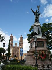 Dolores e Hidalgo (supernova.gdl.mx) Tags: plaza miguel monumento iglesia escultura guanajuato dolores estatua grito templo hidalgo 2010 independencia 1810 costilla bicentenario