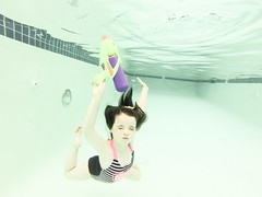 Swimming at Collins Lake Resort (pete4ducks) Tags: travel vacation water oregon swimming underwater swimmingpool mounthood madelyn mady 2016 governmentcamp gopro collinslakeresort